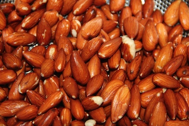 soaked almonds almond milk